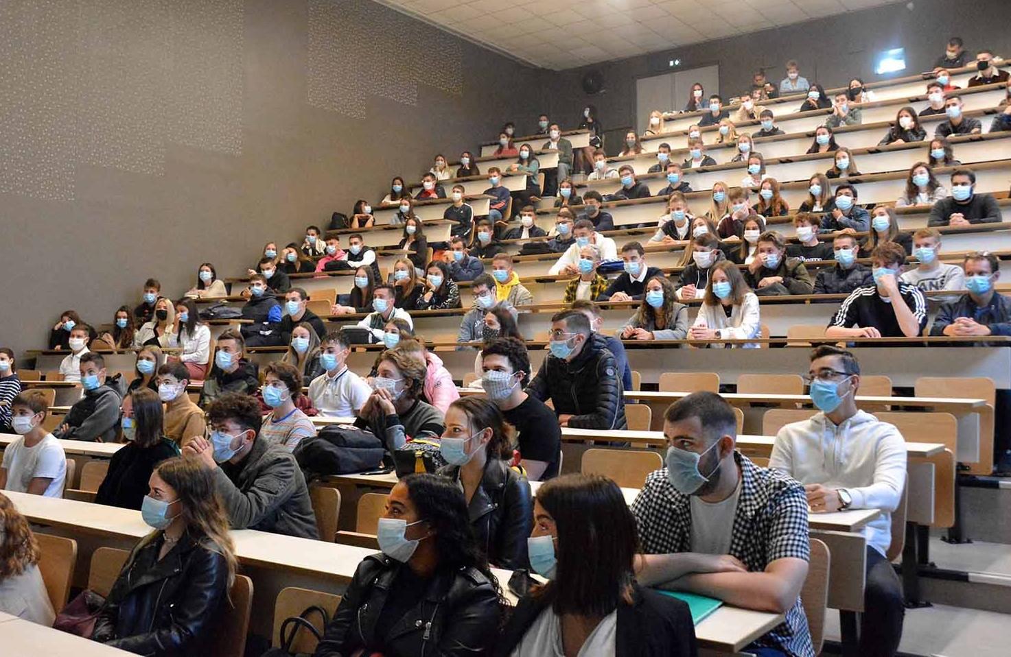 Η Σύνοδος των Πρυτάνεων ζητάνα ανοίξουν τα Πανεπιστήμια