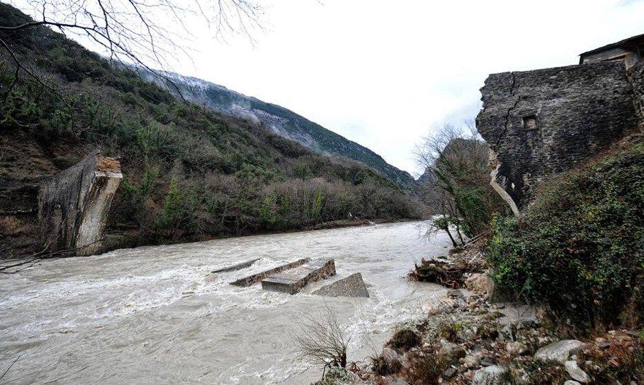 Το ΕΜΠ συμβάλει στην  αναστήλωση του Γεφυριού της Πλάκας