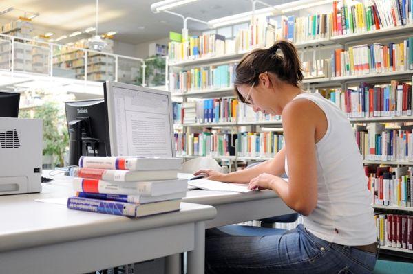 Η Κομισιόν παγώνει τη χρηματοδότηση του Erasmus+ στην Ελλάδα