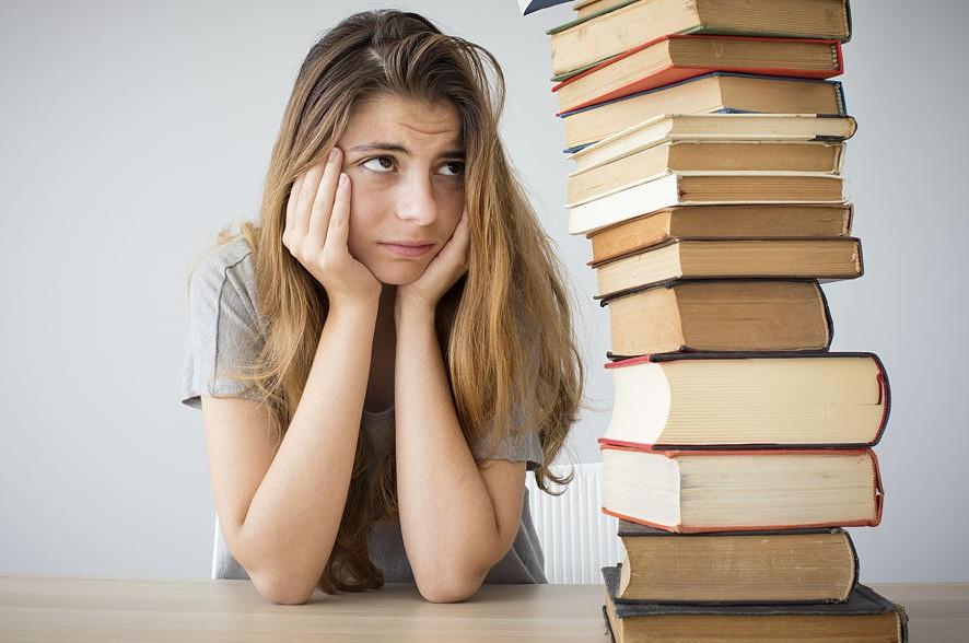 Οι φοιτητές θα παραλάβουν τα συγγράμματα απευθείας στο σπίτι τους!